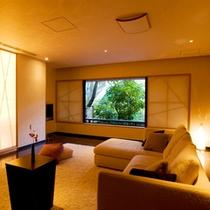 【特別室】約171平米のゆとりの広さ(春の1)リビング