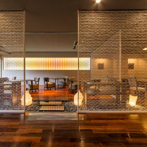 【ステイダイニング】造形和紙で造られた空間-お食事処