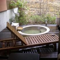お部屋ごとに色々な露天風呂付き