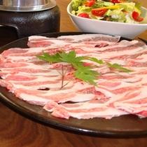 「ローズポーク陶板焼き」(料理一例)