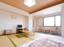 【客室/和室8畳】ご夫婦やお友達同士のご宿泊に♪畳の上でのんびりできます。
