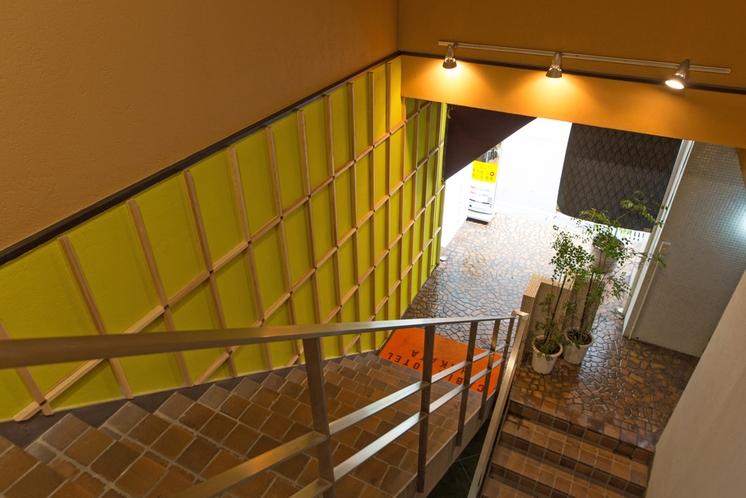 キャビンホテル博多入口