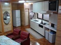 キッチンは共有スペースとなっております。