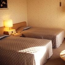 トリプルルーム(デラックスツインルームに簡易ベッドをご用意するスタイルです)