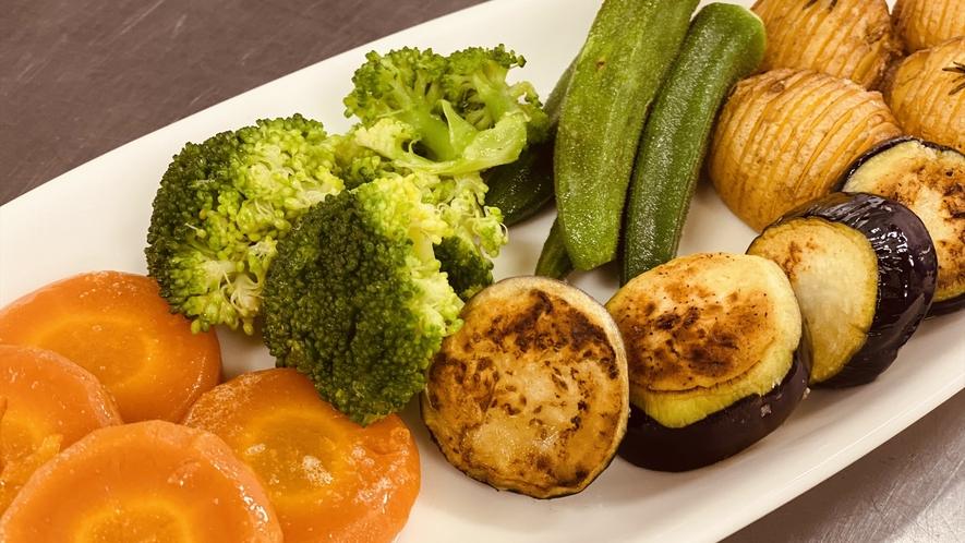 ヘリテイジファームで丹念に育てられた野菜で作られたお料理の数々