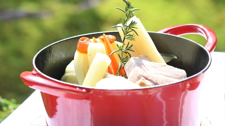 ヘリテイジファームで丹念に育てられた野菜で作るお料理の数々