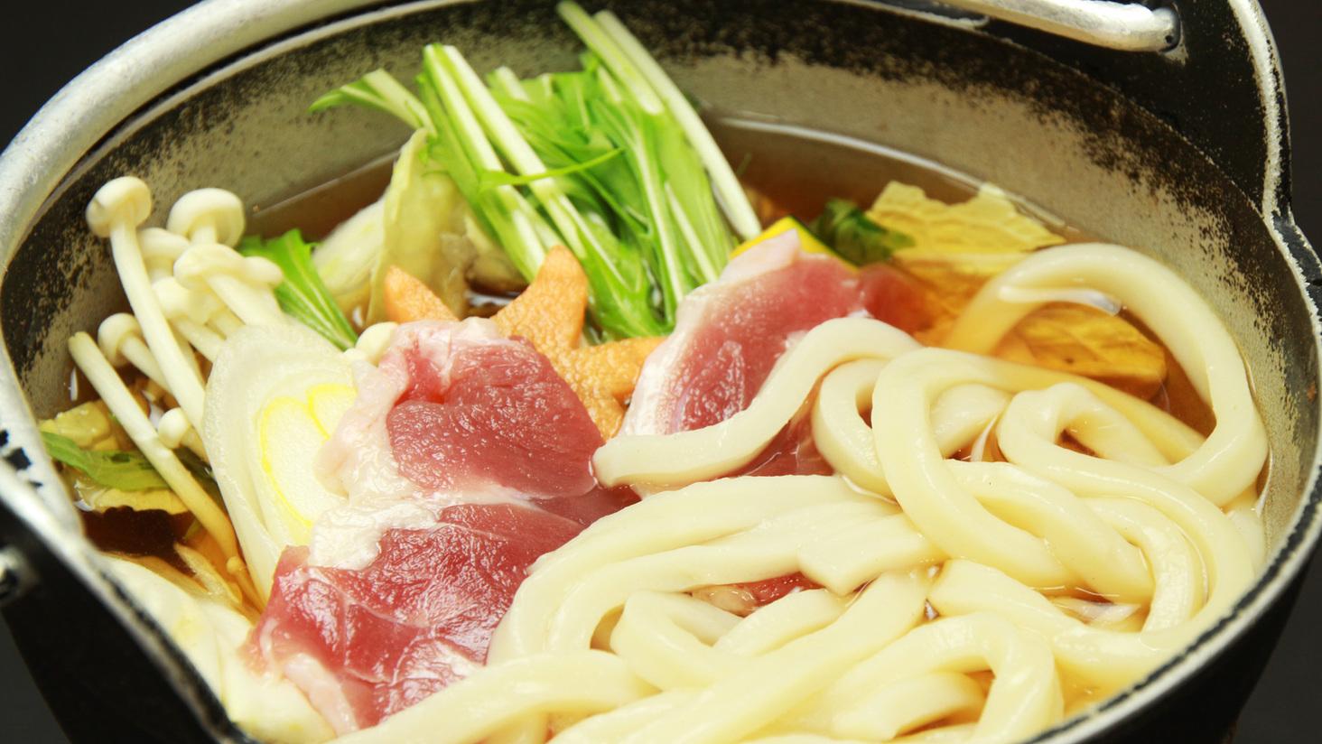 地元で有名な手作り豆腐が入った豆腐鍋