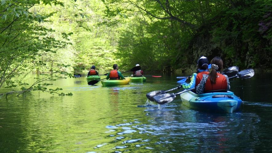 ・四万ブルーが美しい!カヌー体験はいかがですか