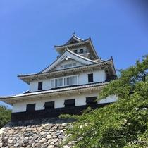 【長浜城】秀吉が最初に築いた居城。内部は資料館になっており、見学可能です。