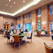 *レストラン一例/高い天井が開放的!朝食はこちらでご用意致します。