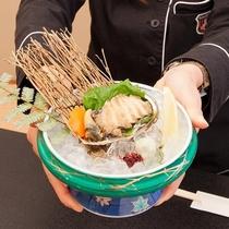 【人気の別注料理】鮑のお造り 3、700円(税別)