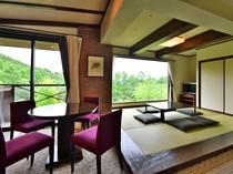 ベッドルームと6畳の和室、リビングスペースのある広々としたゲストルームは55平米以上