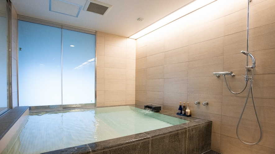 大型温泉浴槽付きツイン/50平米/眺望なし/2~4ベッド