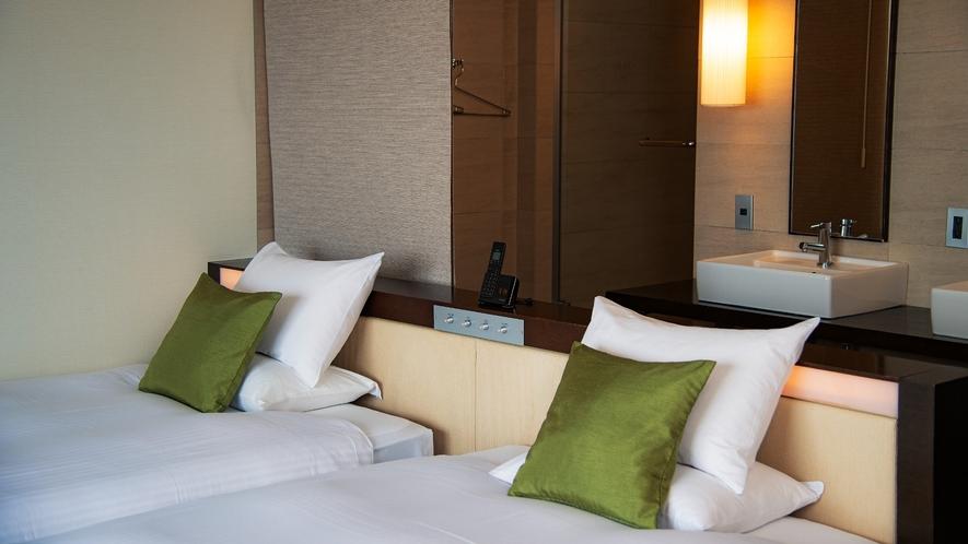 海が見える客室/スーペリアツイン・トリプル/34平米/2~3ベッド/シャワーブース