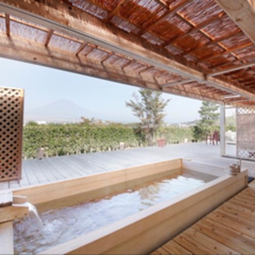 [茶目湯殿]天空の湯(露天風呂) 浴槽からの富士
