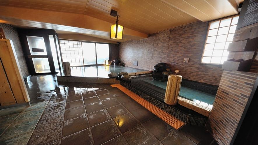 【男性】内風呂:自家源泉(湯温:40~41℃)