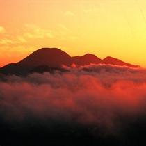 三瓶山 雲海