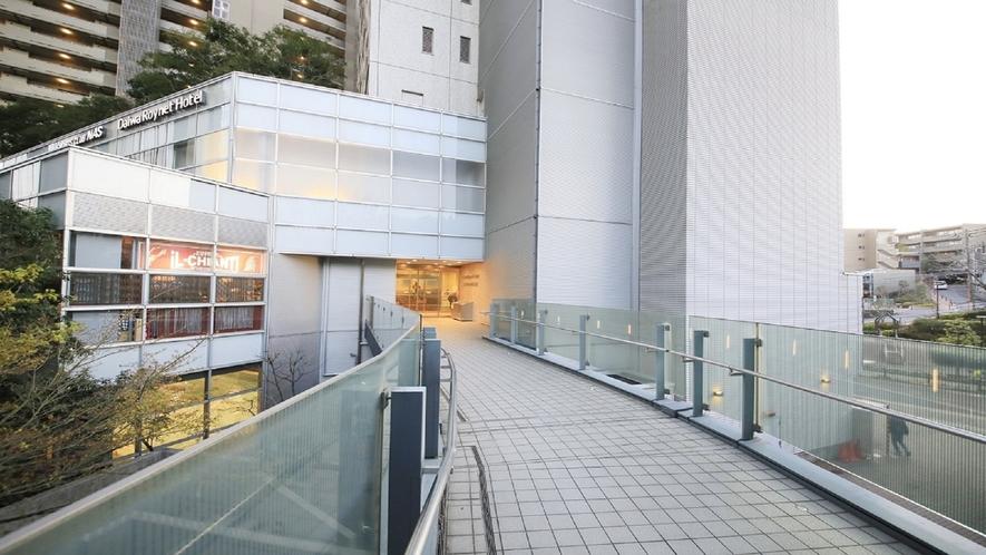 大崎駅からの通路