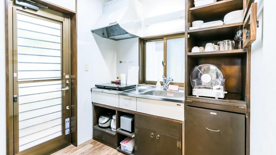 ・調理しやすい広めのキッチン【フクギテラスデラックス43平米】