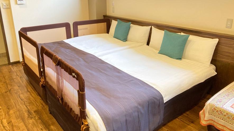 ベッドガードをご希望の場合は側面片側と足元に設置いたします