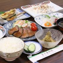 *夕食一例/前日12時までのお申込みで夕食のご追加を承れます。
