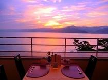 レストラン窓際の限定テーブル席