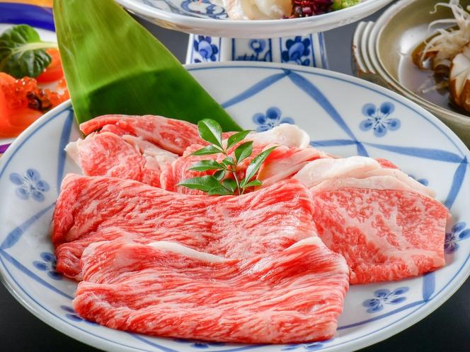 【特選和牛すき焼き会席】もも肉とロース肉を合わせてお一人様150gをご用意!すき焼きで食べ比べてみて