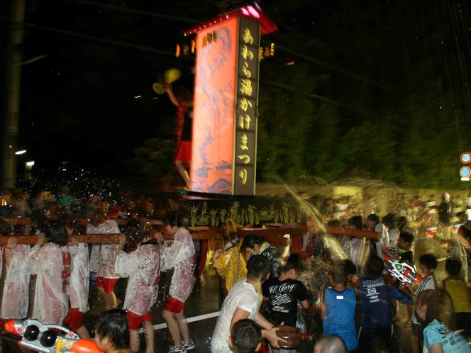 【あわら温泉湯かけまつり】今年は8月8日(木)と8月9日(金)に開催!