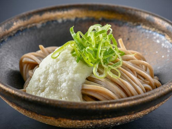 【とろろ蕎麦】福井と言えば、越前おろし蕎麦ですが、とろろ蕎麦さっぱりとして美味しいんですよ♪