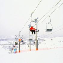 ■天童高原スキー場(当館よりお車で約30分)
