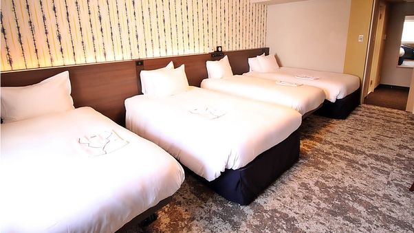 ◆喫煙ハリウッドフォース ・30.8平米 ベッド計4台