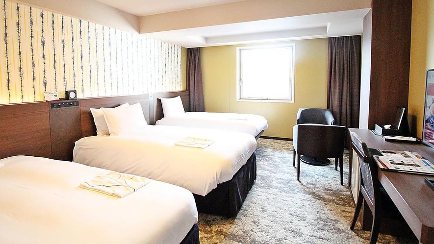 スタンダードトリプルルーム 27.7平米 ベッド計3台