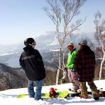◆第5リフト山頂から、野尻湖を望む絶景スポット☆