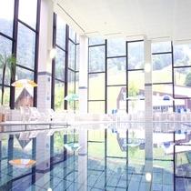 ◆ジャグジー付室内プール 11/5まで営業