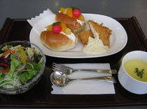 朝食ホイップフルーツロールセット