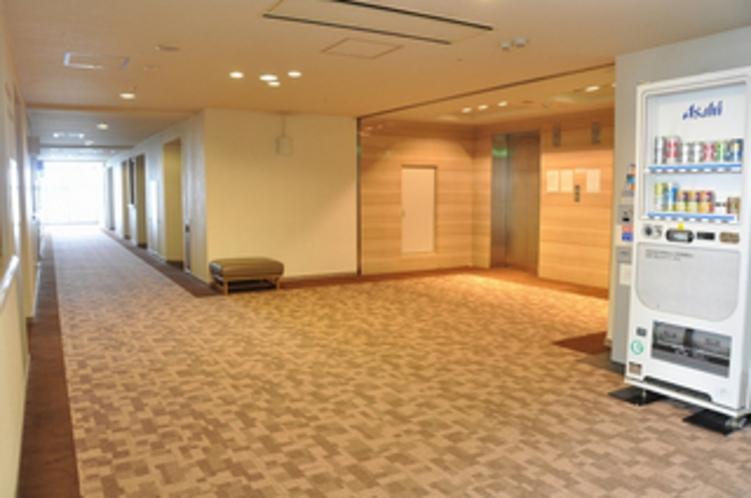 客室がある階の廊下