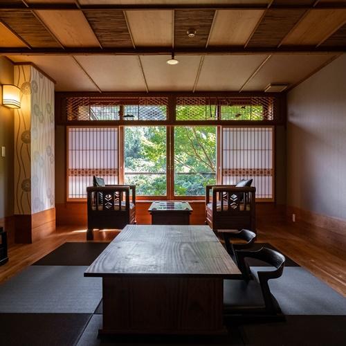 【Eタイプ:独歩】白雲荘の奥に位置して、ひときわの静寂を堪能できるお部屋。