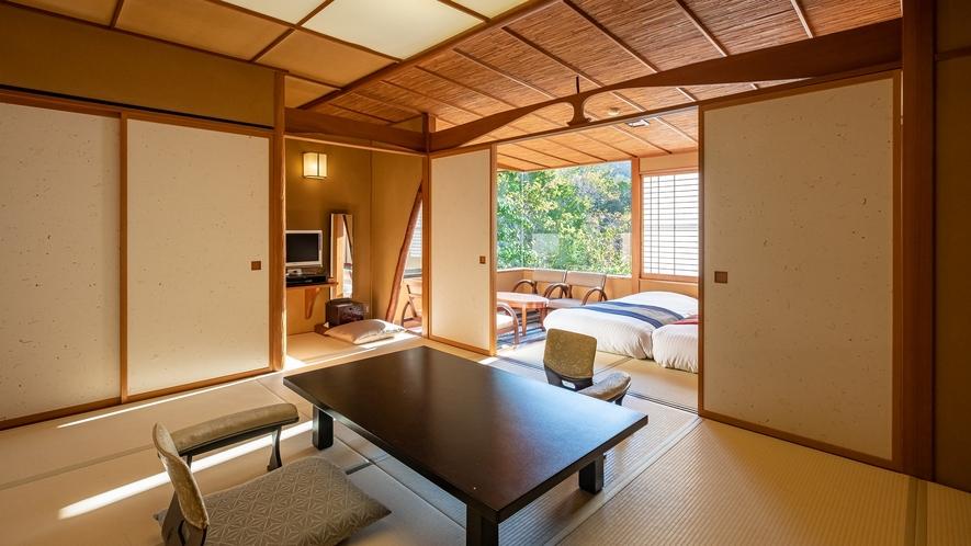 【Bタイプ:白雲】広々とした和室。大きく取られた開口からは、湯河原の自然を満喫できます。