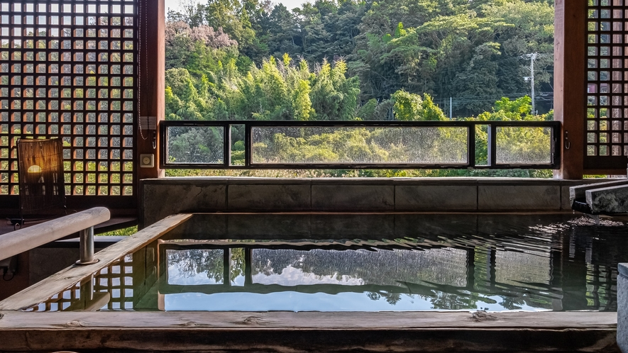 【Gタイプ:漱石】広々した和室に、川のせせらぎや山々が見渡せる絶景の露天風呂
