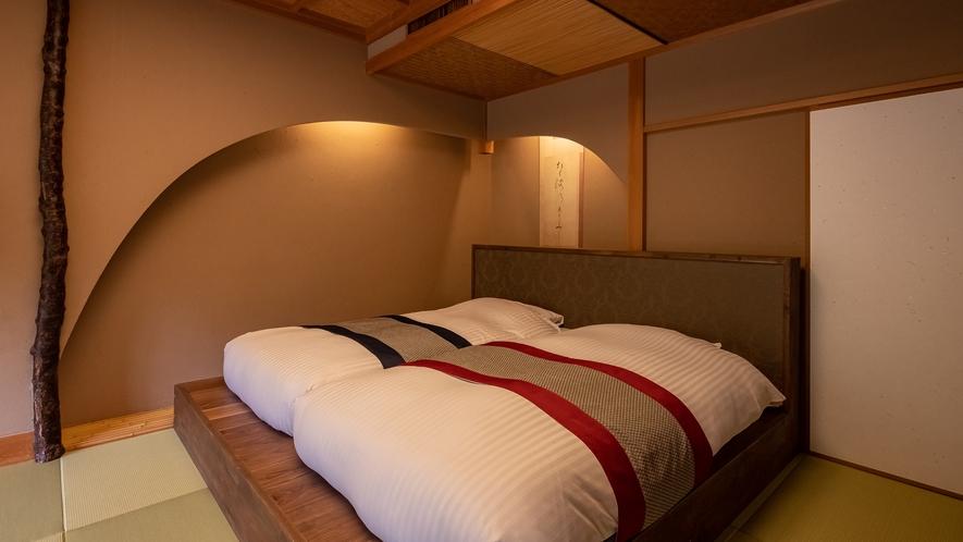【Dタイプ:万葉】露天風呂付の客室。ベッドタイプです。