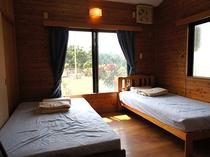 ベッドルームは2部屋あります。