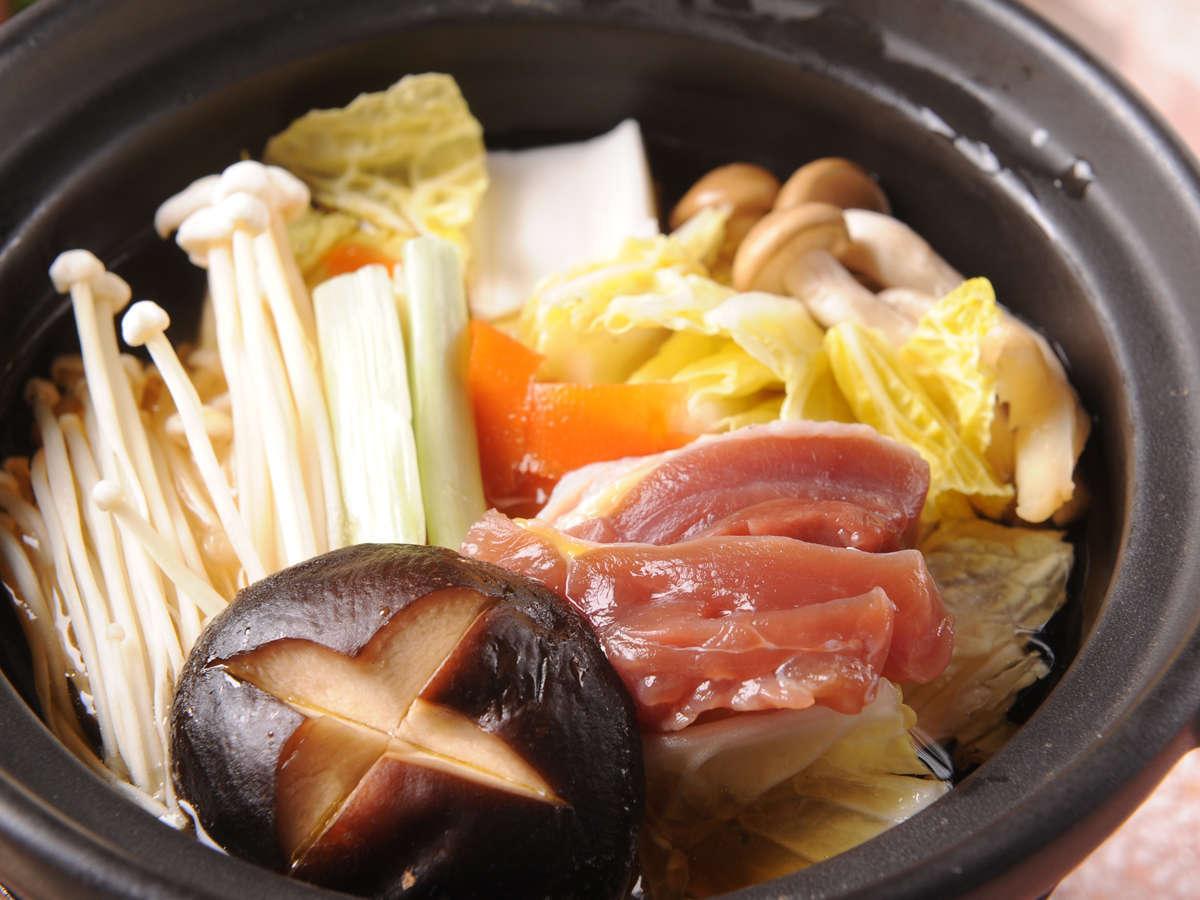 上品な甘み【キジ鍋】 高たんぱく、低カロリーの、締まった食感を楽しんでください。