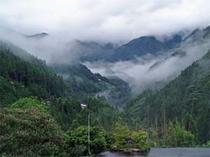 大自然の息吹あふれる山間の宿です。