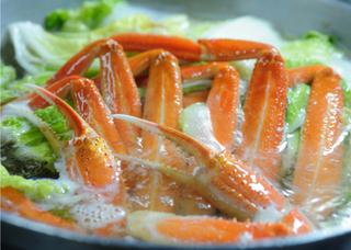 ◆【日帰り昼食】一人にカニ3杯! お刺身付きカニフルコース(部屋食)