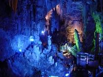 あぶくま洞へは、当館より37キロ はるかな時が創りあげた幻想美の世界