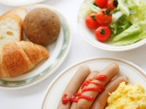 朝食 しっかり食べて1日の活力を!