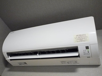 エアコンは、暖房冷房共にお好みの温度で調整できます。