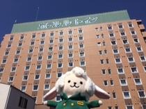 ホテル外観 近隣で一番高い建物ですのでわかり易い!