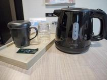 ケトルの準備しております 紅茶とお茶のパックをご用意しています