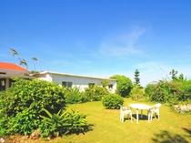 【ガーデン】民宿自慢のきれいで広々とした庭♪無料の駐車スペースもあります!